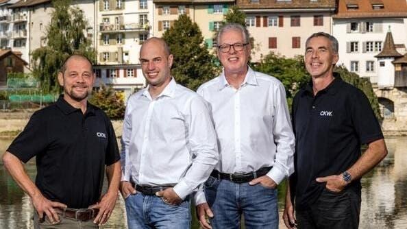 Von links: Michael Schmidt (Projektleiter), Tobias Kocher (Geschäftsführer), Adrian Fürst (Standortleiter Lostorf) und Patrik Fürst (Projektleiter). (Zvg)