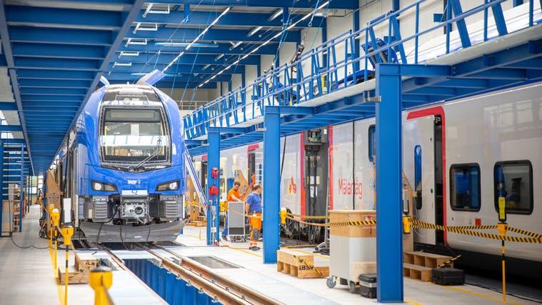 Stadlers Werk in St.Margrethen, das Kompetenzzentrum des Ostschweizer Bahnbauers für Doppelstöcker. (Bild: Tobias Garcia (4. September 2020))