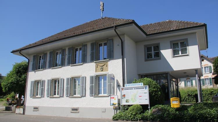 In Birrhard wurden die fünf Gemeinderatssitze durch drei Bisherige und zwei Neue besetzt. (Claudia Meier)