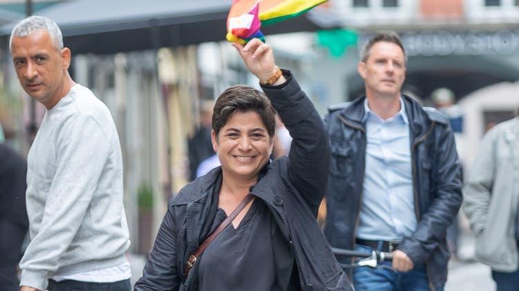 Silvia Dell'Aquila trifft an der Wahlfeier der SP ein. (Fabio Baranzini)
