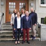 Die gewählten Gemeinderäte in Unterentfelden (v.l.): Lilian Däster (FDP), Lucia Engeli (SP), Marion Fischer (GLP), Alfred Stiner (SP) und Guido Scherer (FDP). (Natasha Hähni)