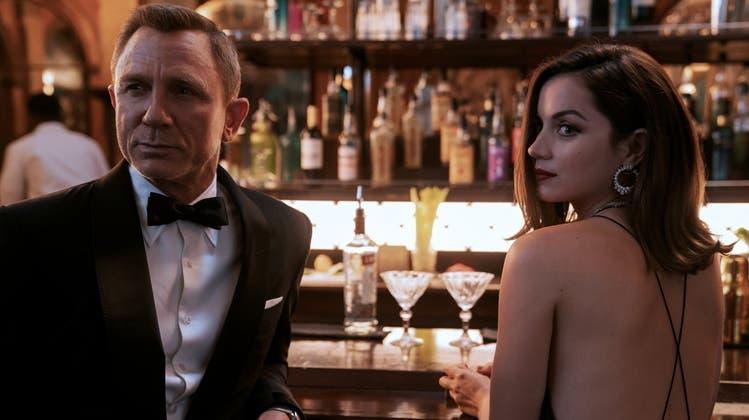 Wenn Daniel Craig für den neuesten James-Bond-Film «No Time to Die» über den roten Teppich geht, ist dies statt am TV auf Facebook zu sehen. (HO)