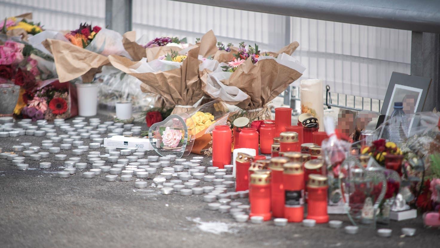 Diese Gedenkstätte am Ort des Geschehens erinnert an das Opfer. (Bild: Pius Amrein (Geuensee, 27. September 2021))