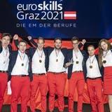 Sie holen Gold: Yunus Ruff, Silvan Wiedmer, Simon Koch, Michael Schranz, Sandro Weber, Damian Schmid und Leandra Schweizer (v.l.). (HO)
