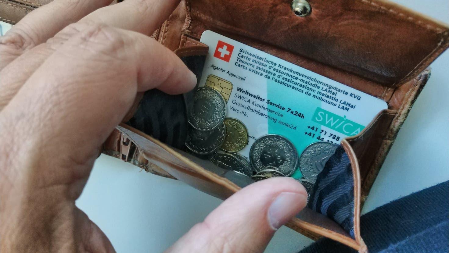 Nur in Zug und in Schwyz werden die Prämien in der Zentralschweiz günstiger. (KEYSTONE/Christian Beutler)