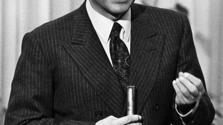 Silvio Berlusconi 1985. Gerade verkündet er, sein Medienimperium auf Frankreich auszuweiten. (Keystone)