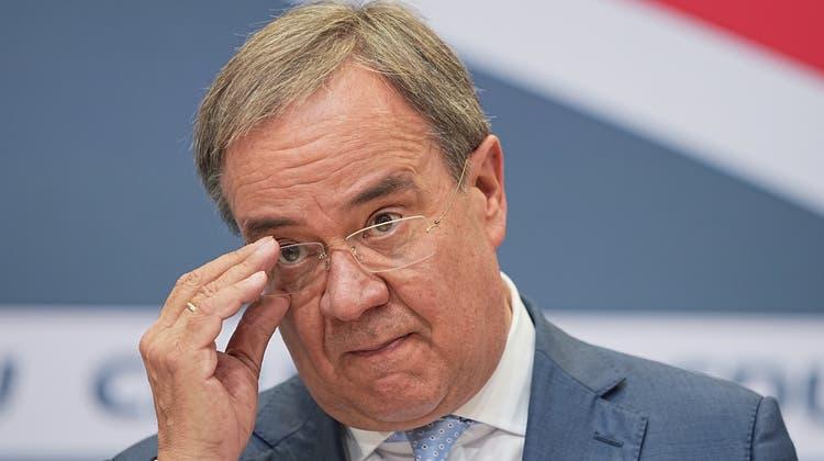 Laschet denkt noch immer an den Einzug ins Kanzleramt ++Söder: Union hat «keinen Anspruch zu regieren»