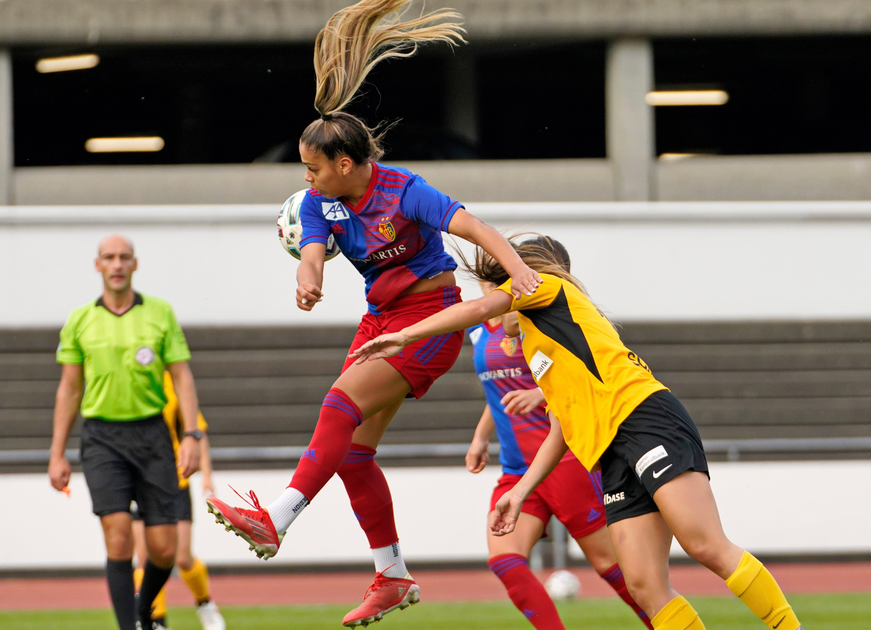 Das Spiel zwischen den Frauen des FCB und jenen des FC Luzern ist eng.