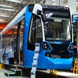 Das Werk von Stadler nahe der weissrussischen Hauptstadt Minsk, wo die Trams des Typs Metelitsa hergestellt werden. (Bild: Maksim Safaniuk/Alamy (Fanipol, 8. Juni 2019))