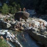 Auch im September konnte dieses Jahr ein Sprung ins Wasser durchaus noch als Abkühlung dienen. (Symbolbild) (Keystone)