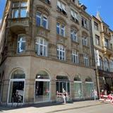 Leere Schaufenster, leerer Laden: Zara Home hat die Liegenschaft an der Freien Strasse geräumt. (Rahel Koerfgen)