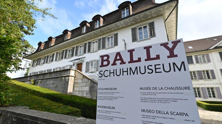 Im Garten des Museums befindetsich das Schlössli -der Gartenpavillon von Ballys Wohnhaus. Es ist das einzige originale Schlösschen im Tudor-Stil in der Schweiz. (Bruno Kissling)