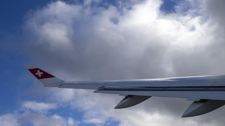 Bei Abflügen von neun weiteren Flughäfen müssen Airlines ab November Passagierdaten an die Schweizer Behörden übermitteln. (Symbolbild) (Keystone)