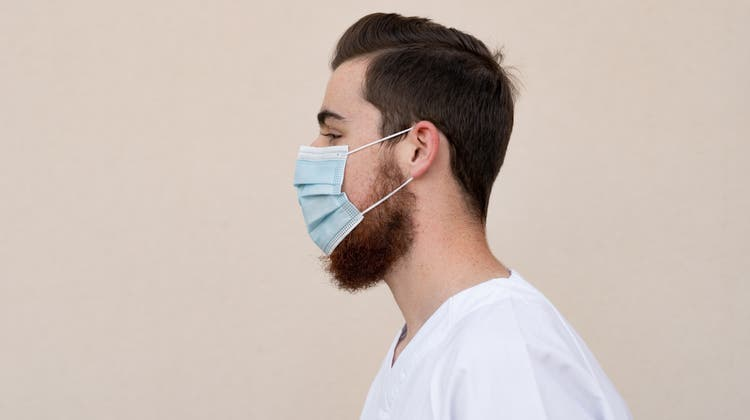 So dürfen Angestellte des Spitalzentrums Biel nicht zur Arbeit erscheinen. Der Bart ist zu lang. (Bild: Getty)