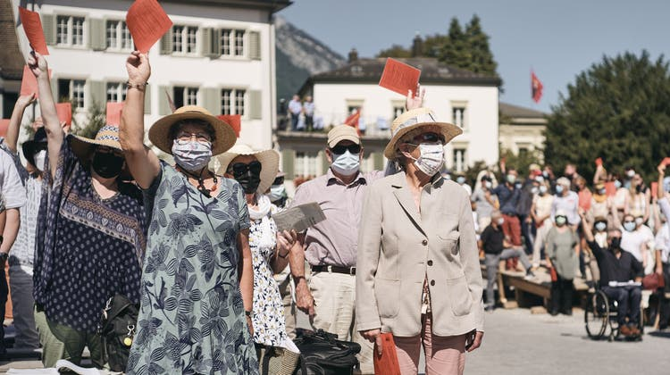 Landsgemeinde Glarus. Nach mehr als zwei Jahren findet in Glarus die wohl längste Landsgemeinde seit vielen Jahren statt. (Roland Schmid)