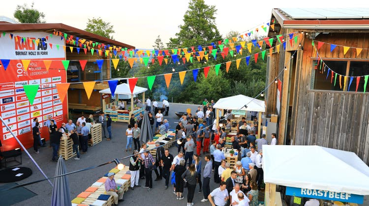 Die Kalt AG in Leibstadt feierte sein 100-jähriges Bestehen mit einem Fest. (Bild: Susanne Holthuizen)