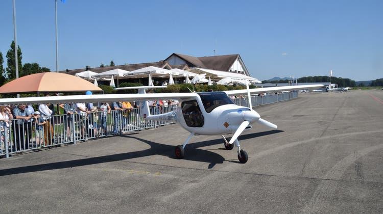 Die grosse Attraktion im Birrfeld:«Pipistrel», das Elektroflugzeug. (Toni Widmer)