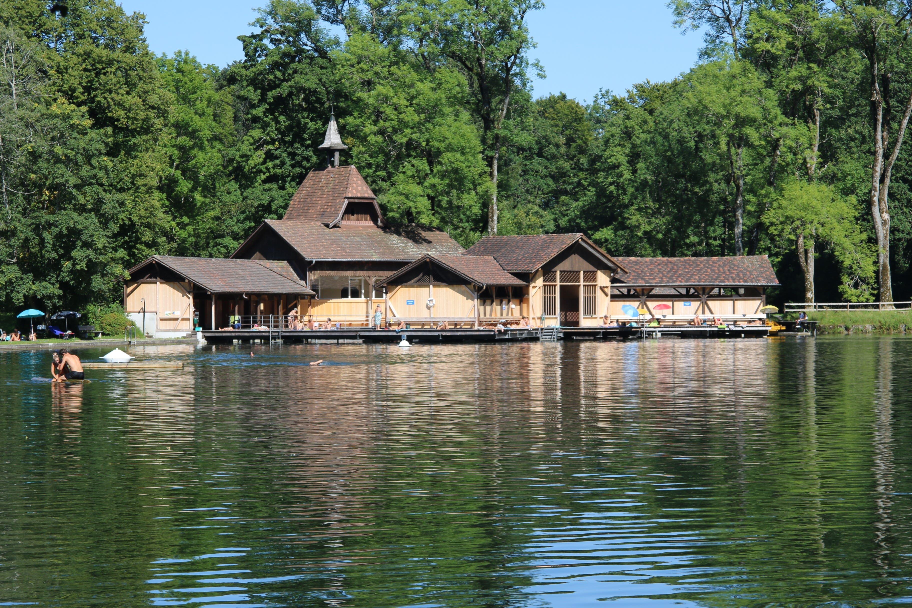 Die sanierte Frauenbadhütte ist und bleibt ein Bijou in einer idyllischen, aber auch intensiv zur Naherholung genutzten Landschaft.