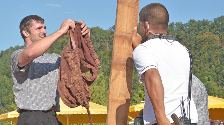 Der Fricktaler Schwinger David Schmid hängt seine Schwingerhosen an den Nagel. (Wolfgang Rytz)