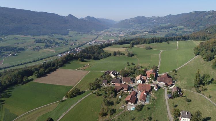 Der Weiler Höngen oberhalb von Laupersdorf. Die Strasse von Höngen bis zum Oberberg wurde saniert und teurer als vorgesehen. (Bruno Kissling)