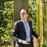 Regierungsrat Martin NeukomundDaniel Fischer, Leiter Sektion Biosicherheit des Awelin der Dietiker Ausstellung «(G)Artenvielfalt». (Valentin Hehli)