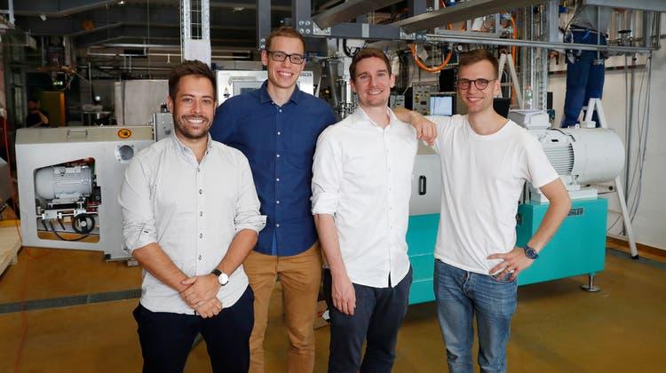 Die Gründer von «Planted Foods» können sich über den ersten Platz beim Top 100 Swiss Start-up Award freuen. (HO)