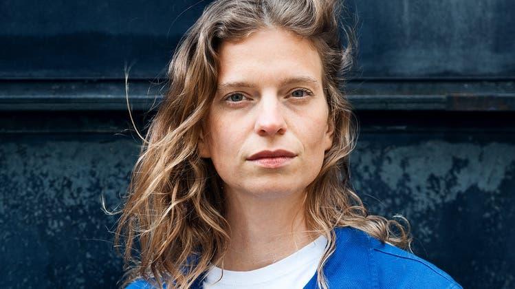 Basler Jungschriftstellerin steigt mit ihrem Debütroman gleich in die erste Liga auf