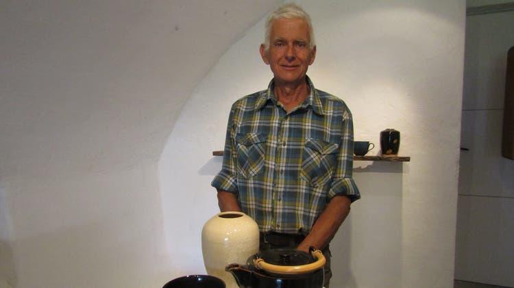 Keramiker Beat Naef-Daenzer zeigt im Keramikmuseum Matzendorf seine Arbeiten. (Walter Schmid)