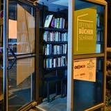 Der offene Bücherschrank, im Bild derjenige beim OltnerBifangplatz, verrät viel über die Lesegewohnheiten seiner Nutzenden. (Bruno Kissling / OLT)
