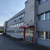 Im ehemaligen Lekkerland-Gebäude in Brunegg richtet die Saviva AG ihren neuen Hauptsitz inklusive Logistikzentrum ein. (Florian Wicki)