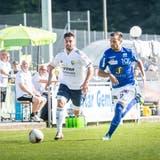 Orcun Cengiz (links) und der FC Uzwil fordern am Wochenende als Aufsteiger den Tabellenführer Baden heraus. (Bild: Andrea Stalder)