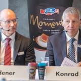 Der alte und der neue Verwaltungsratspräsident vereint: CEO UrsRiedener soll das Amt von Konrad Graber übernehmen. (Keystone)