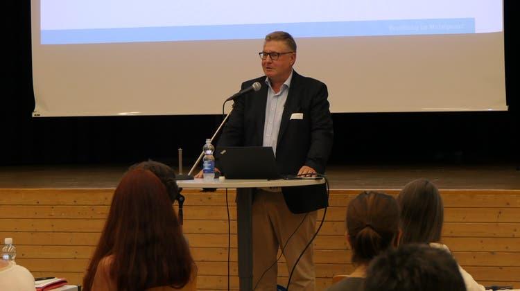 Oliver Bilke-Hentsch spricht an der Gesundheits- und Sozialkonferenz in Stans. (Bild: Manuel Kaufmann (Stans, 8. September 2021))