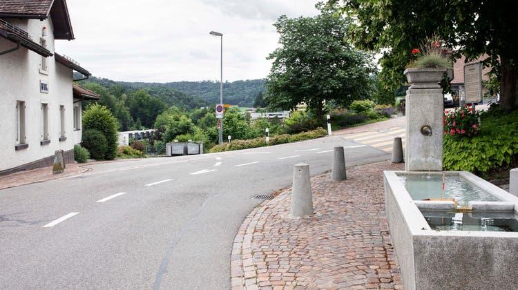 Die Verzweigung Industriestrasse/Baltenschwilerstrasse befindet sich in Bergdietikon. (Britta Gut)