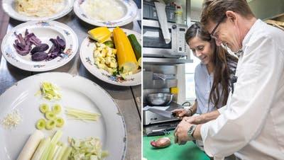 Richtig geschnitten ist schon halb gekocht: Chiffonade (oben links), Brunoise (unten links) und Kartoffeln tournieren.