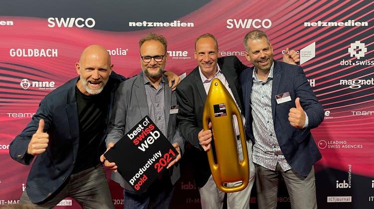 Von links Thomas Egloff (Eyekon AG), Martin Graf (Digitale Projekte EAO AG), David Kramer (Head of Corporate Marketing EAO AG und Projektleiter) und Marco Egli (Intelliact AG). (zvg)