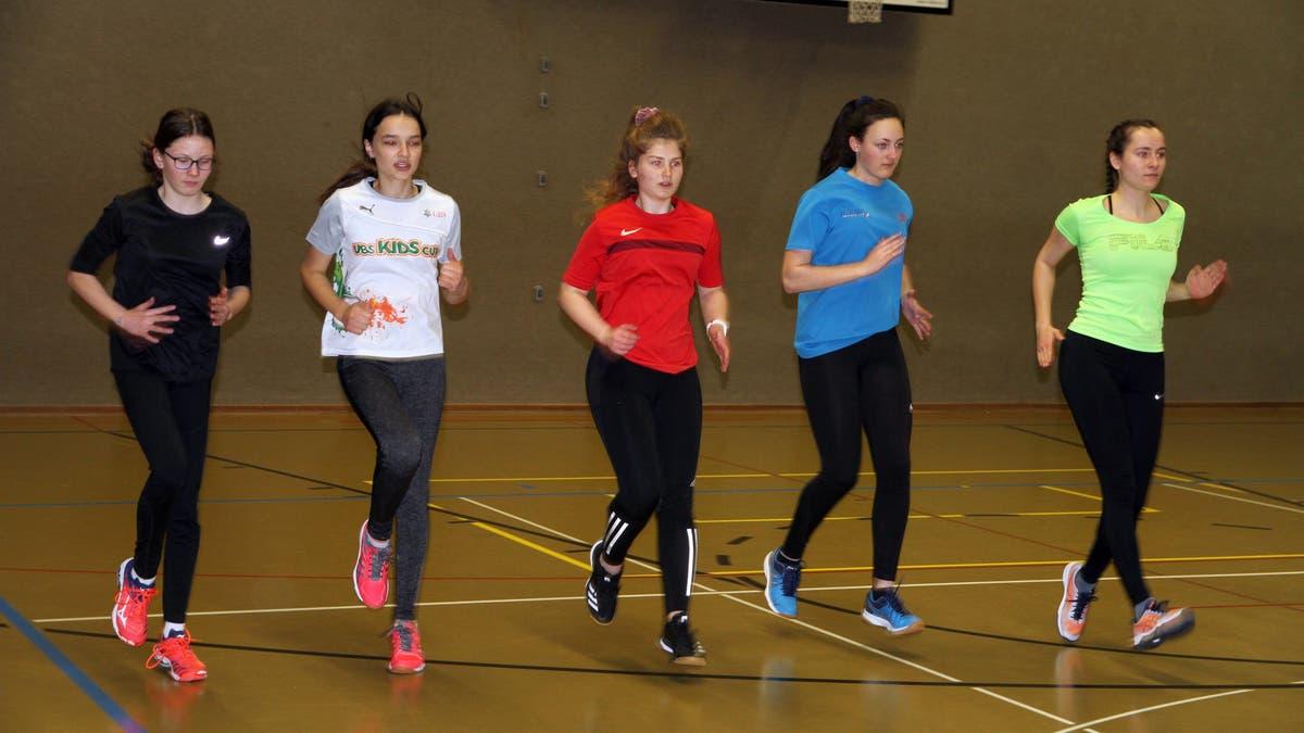 Olympiasieger-Welt-und-Europameister-warum-Bobpilot-Beat-Hefti-nun-die-Leichtathletik-Talente-der-Region-Toggenburg-trainiert